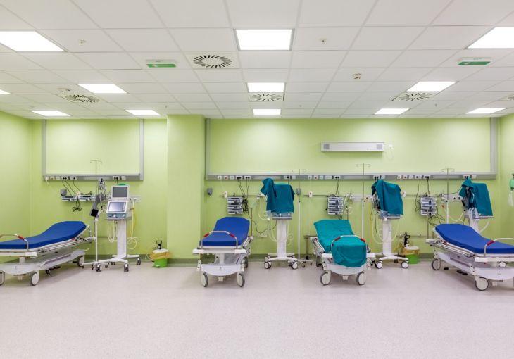 Bolnički kreveti i oprema u Kliničkom centru Niš
